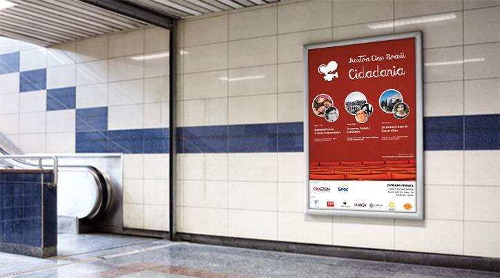 Aplicação do cartaz no metrô da cidade